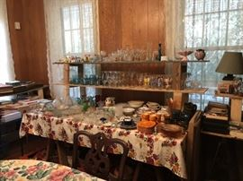 glassware ans collectibles
