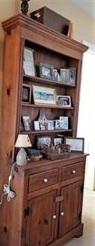 Amish - solid wood buffet hutch