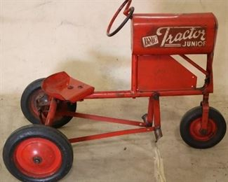 BMC Junior pedal tractor