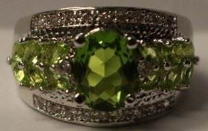 Peridot .925 sterling ring sz 7