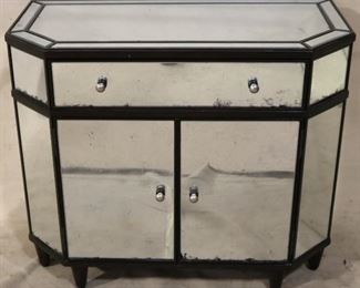 Mirrored commode