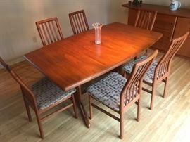 Skovby dining room table Made in Denmark