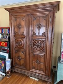 Large storage armoire