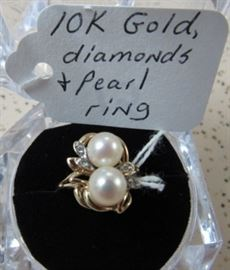 10K Gold, Diamonds & Pearls Ring