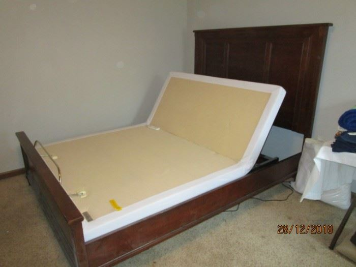 SERTA PLATFORM BASE WITH BASSET CHERRY BED FRAME