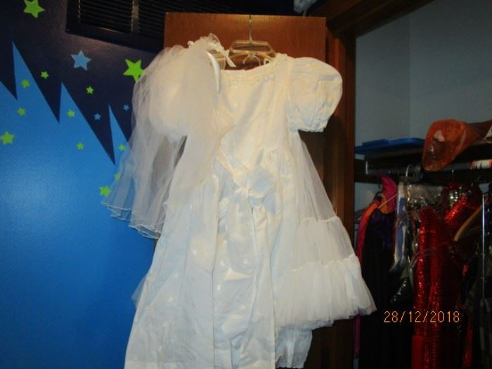 CONFIRMATION DRESS WITH  VEIL AND PETTICOAT