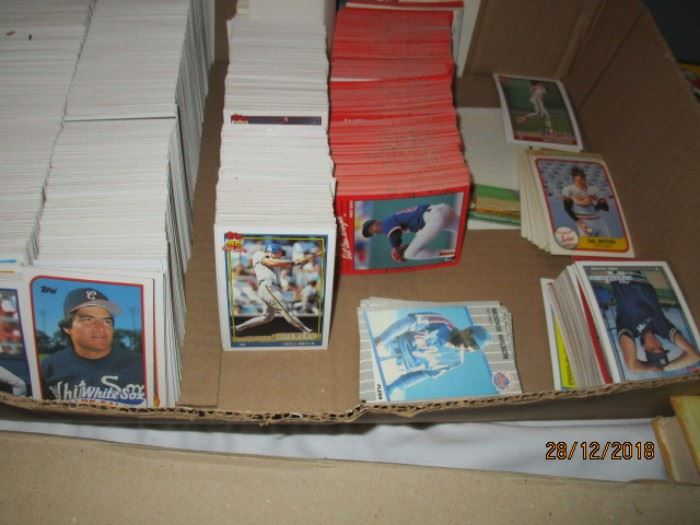 BASEBALL CARDS MOSTLY 1980S AND 90S