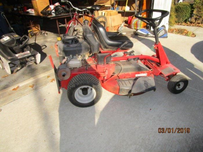 Snapper zero turn mower
