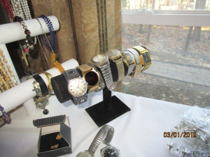 asssorted watches