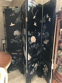 Asian style room divider