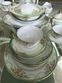 Meito China, Japan. 8 place settings