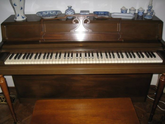 Wurlitzer spinet piano serial #1068583