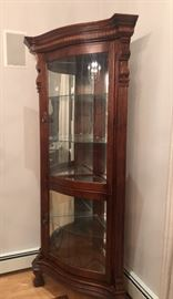 ETHAN ALLEN CURIO/CHINA CANINET