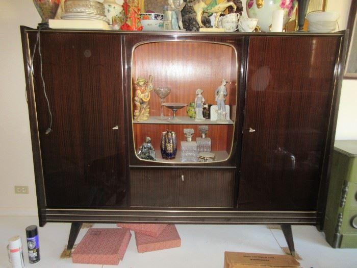 Qualitasmobel Mid Century cabinet