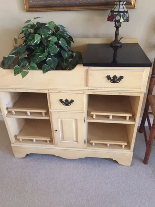 Lovely cabinet with lots of storage