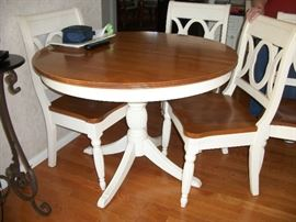 Regency Pedestal Table -Birch - by ATHOL, 2 leaves, 6 matching chairs