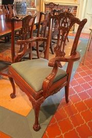 Quality D&D Banded Mahogany Table in Great Condition with 10 Chippendale Chairs, Includes 2 Leaves and Pads
