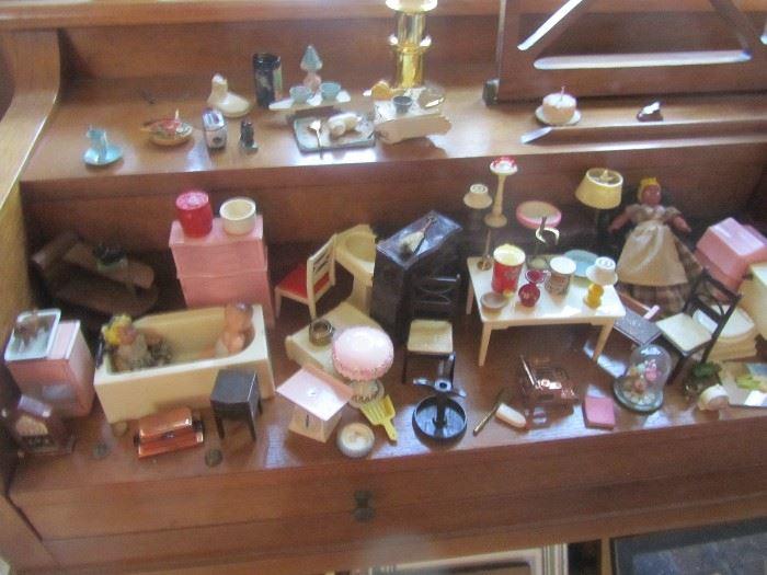 vintage dollhouse furnishings