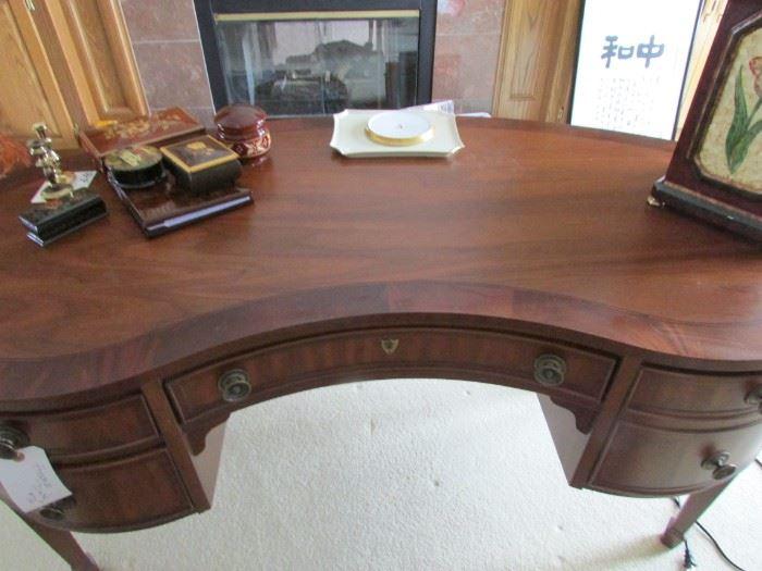 Kidney Shaped Hekman Desk