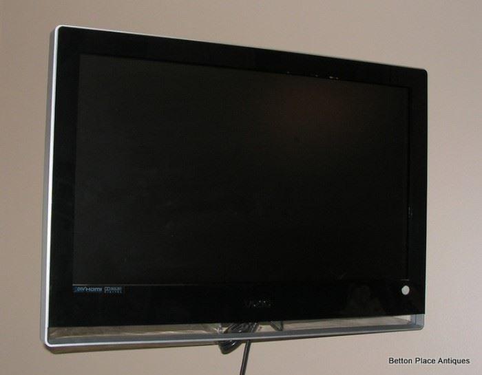 Vizio Small TV 30 inch