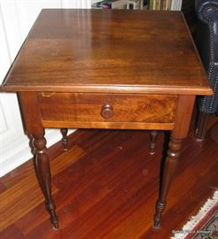 This is the Match to the other Mahogany Work Table, one with dropsides, one without