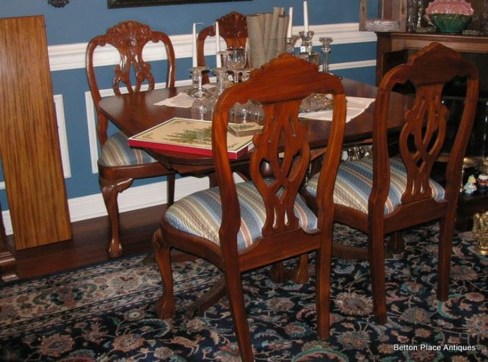 """Charak Furniture Co Mass """" Danbury Table"""" in Mahogany, extends out to seat 12, 6 chairs, two Captain"""