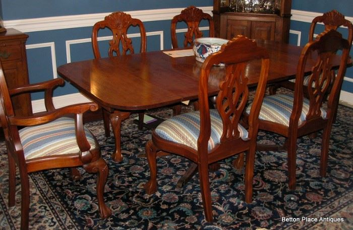 Charak Mahogany Table extended, previous photos show it without 3 leaves.