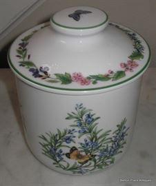 Worcester Porcelain Lidded Jar