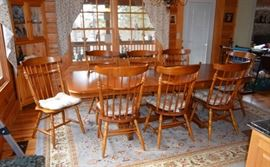 dining room table w/2 leafs & 8 chairs