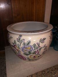 Oriental pot