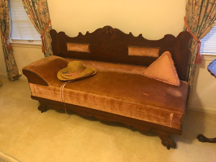 1890's Fainting sofa with fold out bed