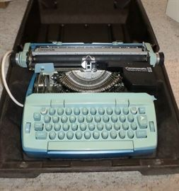 Great vintage Coronamatic electric typewriter - in case