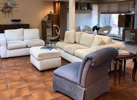 Sofas, coffee & end tables