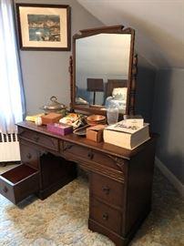 Bedroom furniture & dressers & desks