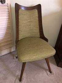 Mid-century modern chair!
