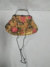 antique beaded purse https://ctbids.com/#!/description/share/86513