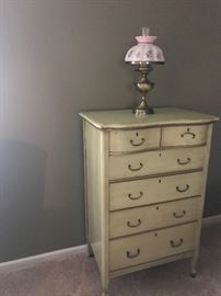 Chest of drawers- 6 drawers
