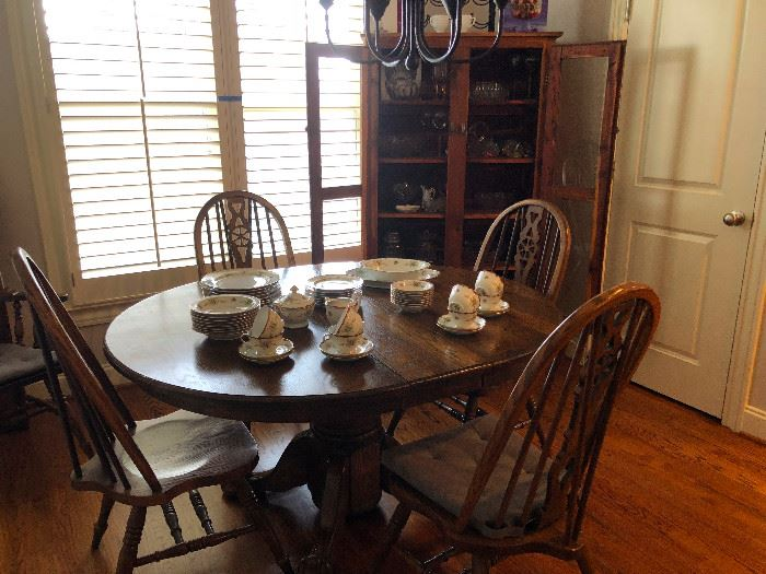 solid wood dinette set with leaf