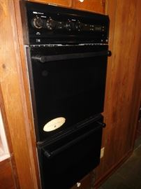 Nice Jenn Air double oven
