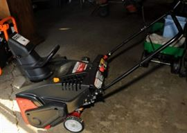 ELECTRIC START GAS POWERED SHOW BLOWER ~ LIKE NEW
