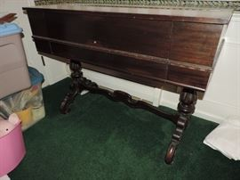 Ornate style Spinet Desk