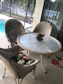5 piece patio set w/ coshions