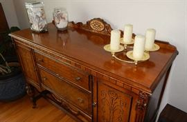 ANTIQUE SIDE TABLE WITH NICE DETAILING