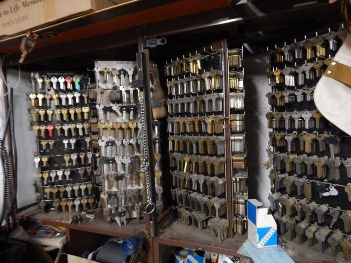 Full key station. make your own keys ... start a business!