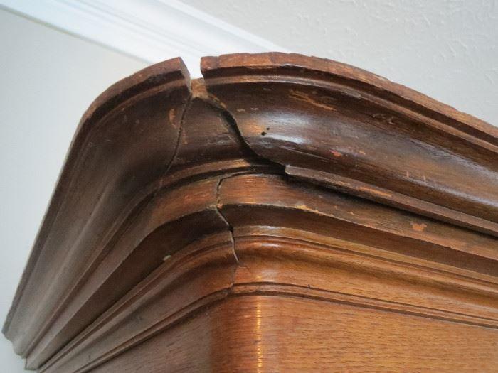 damage to upper corner of chifferobe