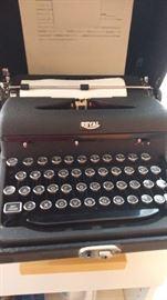 Vintage Royal Arrow typewriter