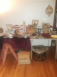 Lots of collectibles, cute metal ladder.