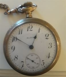 Elgin Pocket Watch 1910. Most of the gold plate has worn off. Working condition.