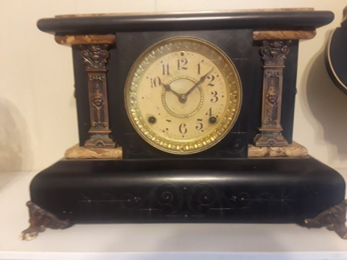 Vintage Seth Thomas Adamantine Mantel Clock. See pics for condition.