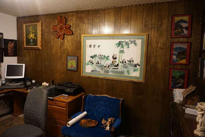 chair, desk, Pandas